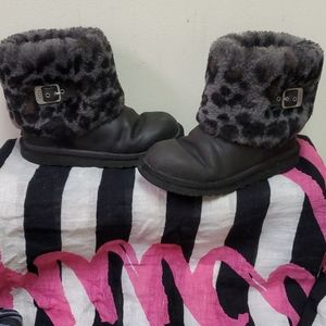 UGG Leather and Faux Fur Boots Kids 3/W 5